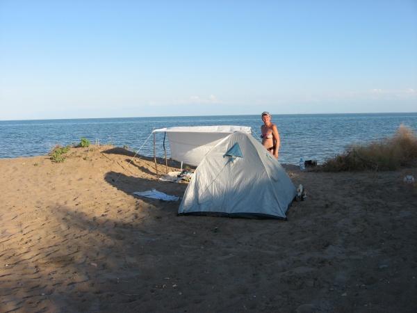 Лагерь на берегу Капчагая