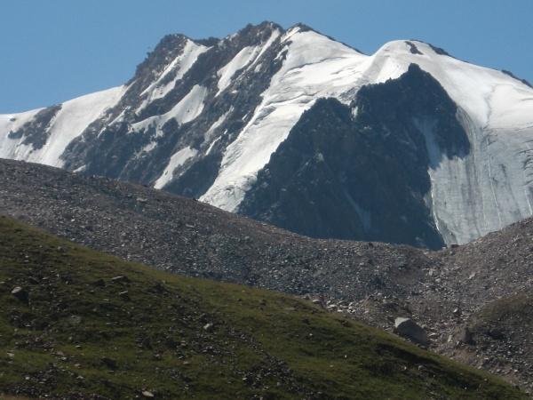Гора Тюксу