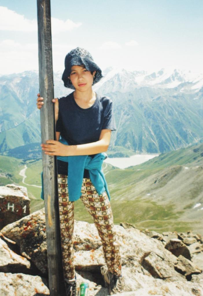 Вид на БАО (Большое алматинское озеро) с пика Большой алматинский