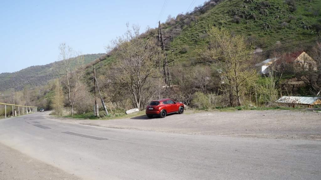 Дорога в Бутаковском ущелье