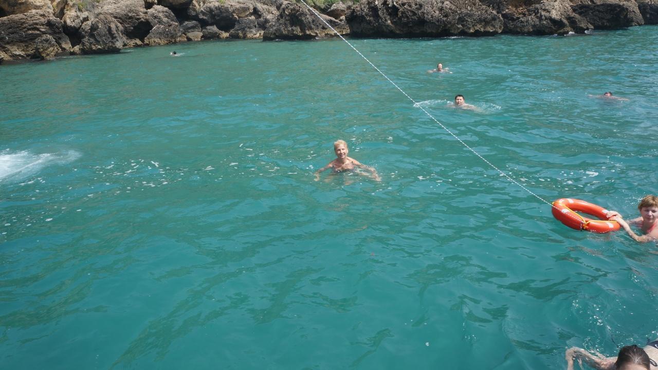 Купание в Средиземном море