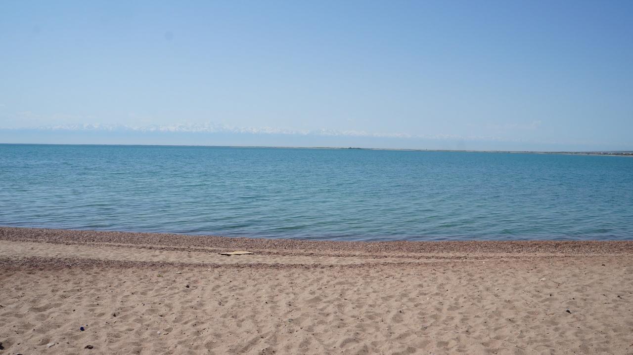 Пляж в зоне отдыха Белый Парус