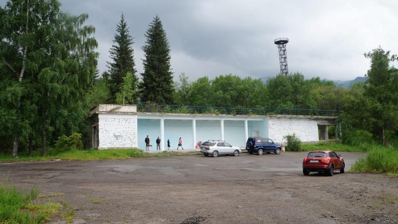 Заброшенная автостанция на озере Иссык