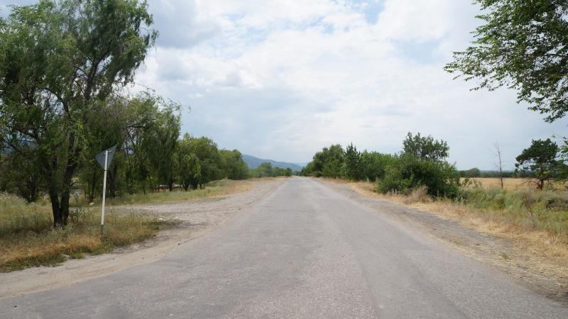Дорога вдоль БАКа, в районе Иссыкского поворота