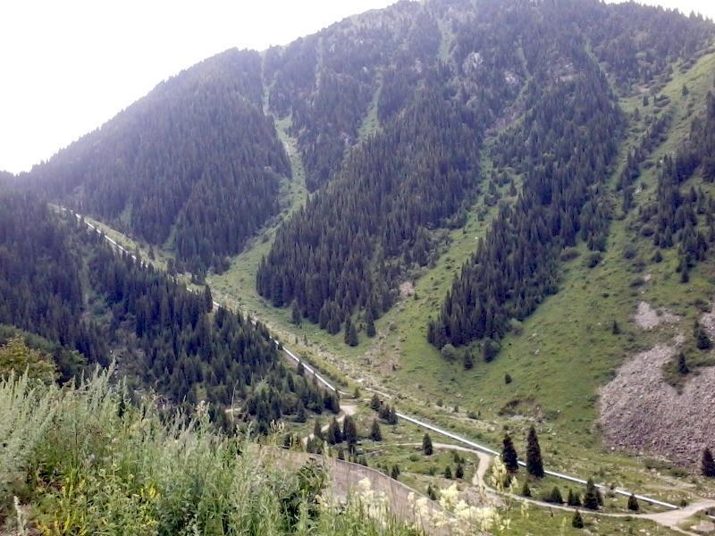Труба ГЭС в Большом Алматинском ущелье