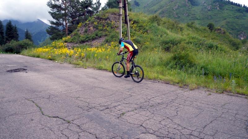 На велосипеде, на озеро Иссык