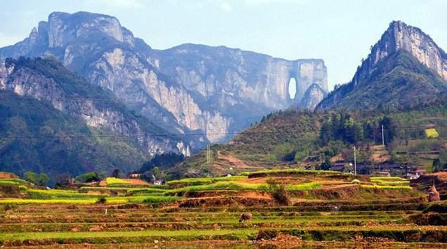 Гора Тяньмень - небесная прогулка