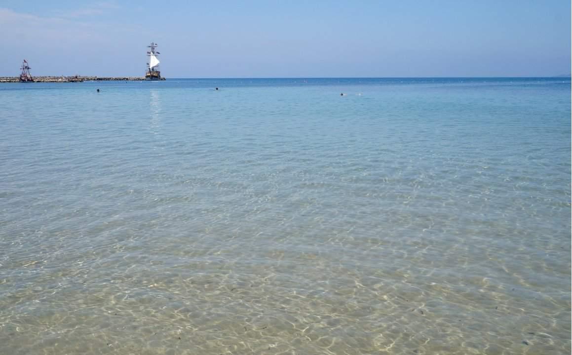 Море возле Лонисеры