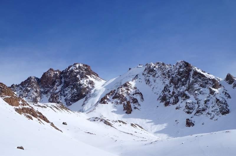 Вершины М. Маметовой (4190 м) и Антикайнена (4144 м)