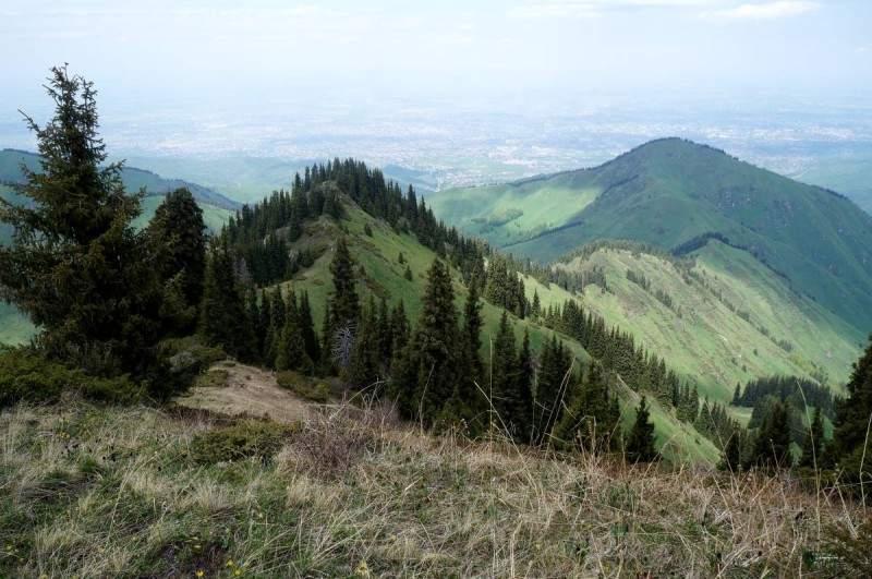 Вид на перевал Каскабас (2550 м) сверху
