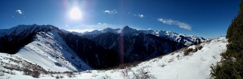 Вид с горы Смотровой (2350 м)