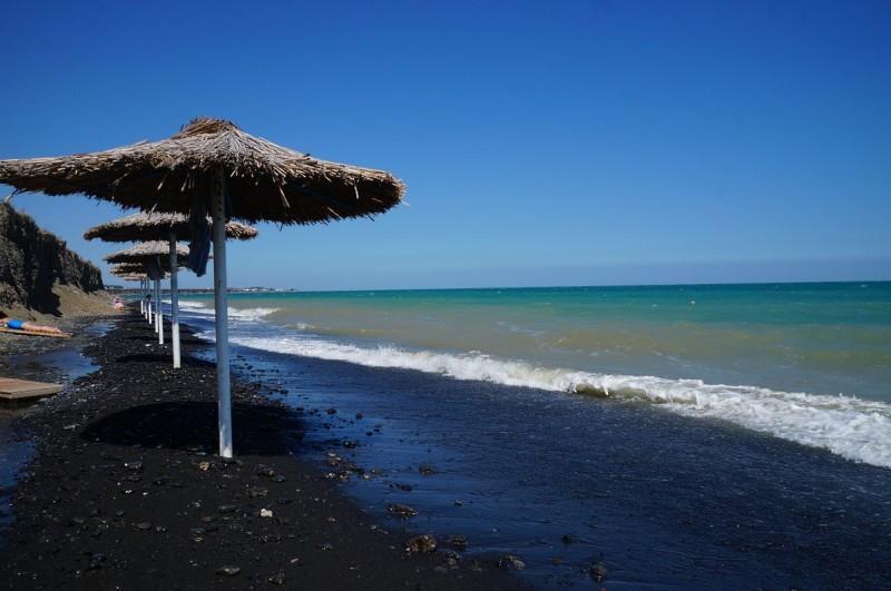 Пляж пансионата Черный камень, на озере Алаколь