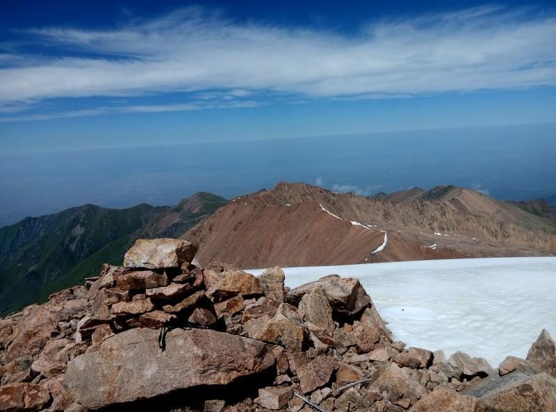 Титова (3870 м)