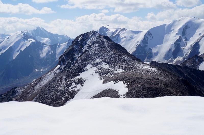 Пик ИЯФ (Туран), 3970 м