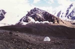 Место второй ночевки у ледника Кеминский