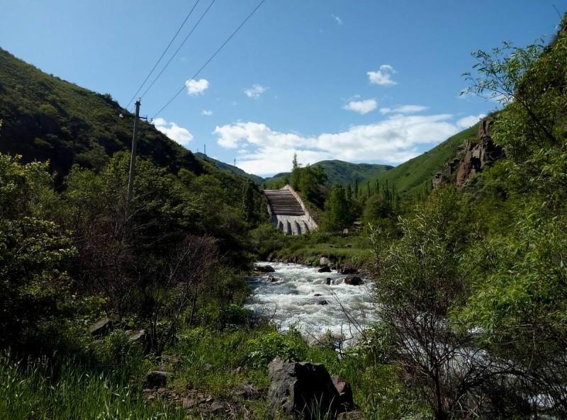 Селезащитная плотина в ущелье Узун Каргалы