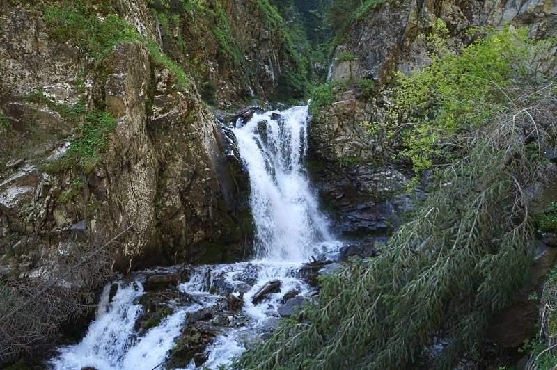 Третий водопад в ущелье Аюсай