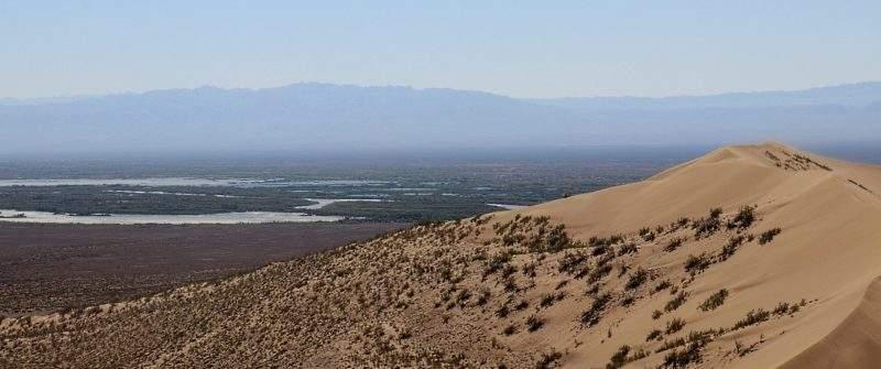Река Или, вид с Поющего бархана