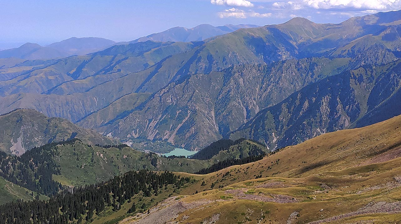 Иссыкское озеро. Вид с горы Рахат